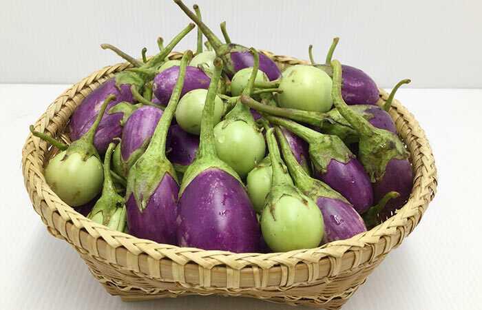 35 pārsteidzošie baklažānu ieguvumi - Brinjal (Baingan) ādai, matiem un veselībai