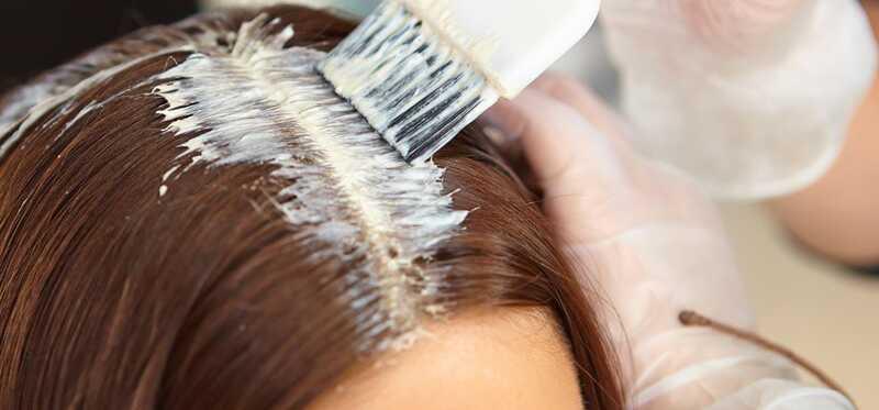 Kuinka valita oikea väriaine korostetuille hiuksille?