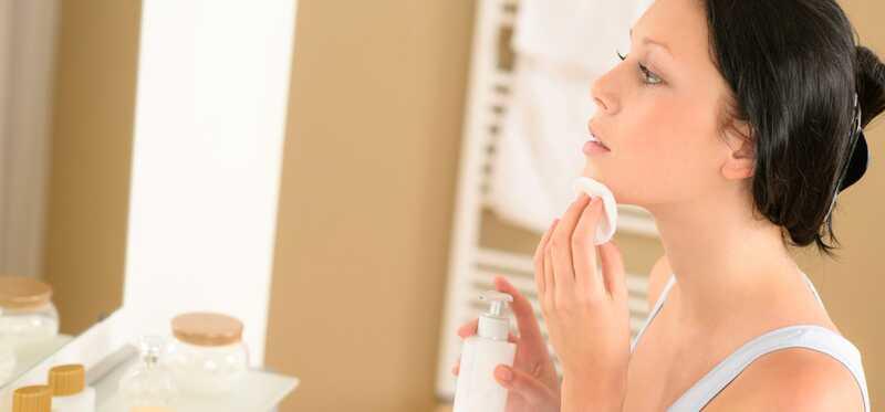 Ako urobiť remeselník na make-up z jojobového oleja?