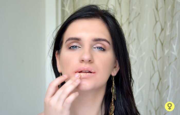 Hoe te voorkomen dat je lippenstift van Smudging voorkomt