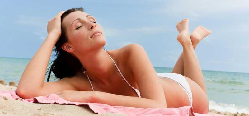 Kā lietot olīveļļu, lai iegūtu miecētu ādu?
