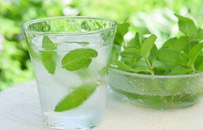 25 infuzinius vandens receptus, kurie padės jums hidratuoti