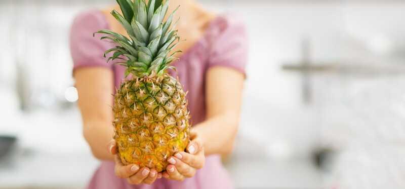 Je ananás účinnou náplasťou pre zápchu?