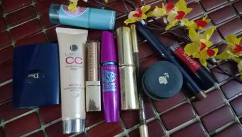 Maharashtrian svadobné make-up - krok za krokom tutoriál s obrázkami