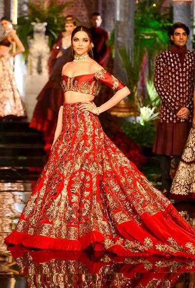 20 najlepších odevov od svadobnej zbierky Manish Malhotra
