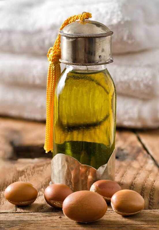 17 neverjetnih prednosti maroškega olja za kožo, lase in zdravje