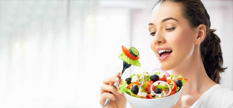 10 nejdůležitějších vitaminů pro ženy nad 40 let
