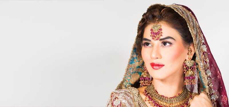 Top 5 prírodných salónov svadobné makeup balíky
