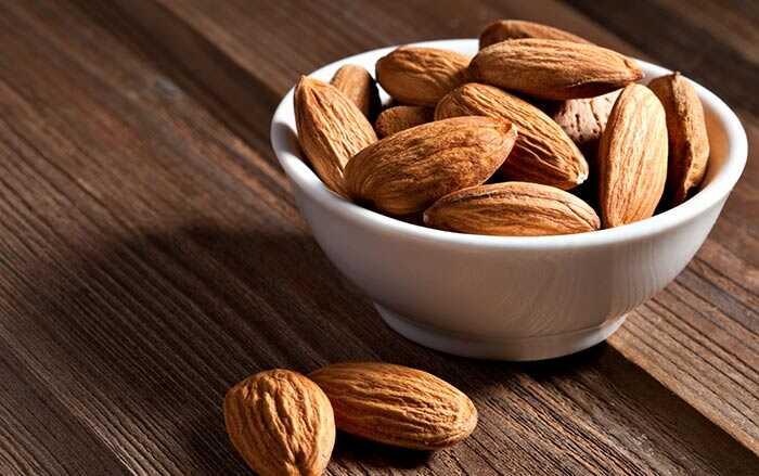 Top 10 noten die je moet eten voor een goede gezondheid