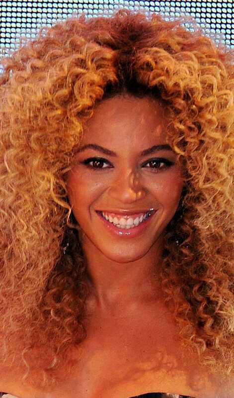 10 Perm Permalink Celebrity hairstyles, mida saate proovida