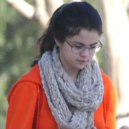 10 fotografií Selena Gomez bez make-upu
