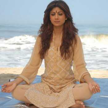 Helt Power Yoga Workout Af Shilpa Shetty