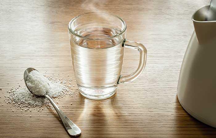 14 jednoduchých domácich liekov na liečbu opuchnutých dásní