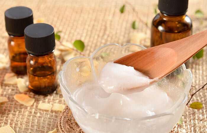 10 paprastų namų gynimo būdų, kaip atsikratyti chapped lūpų