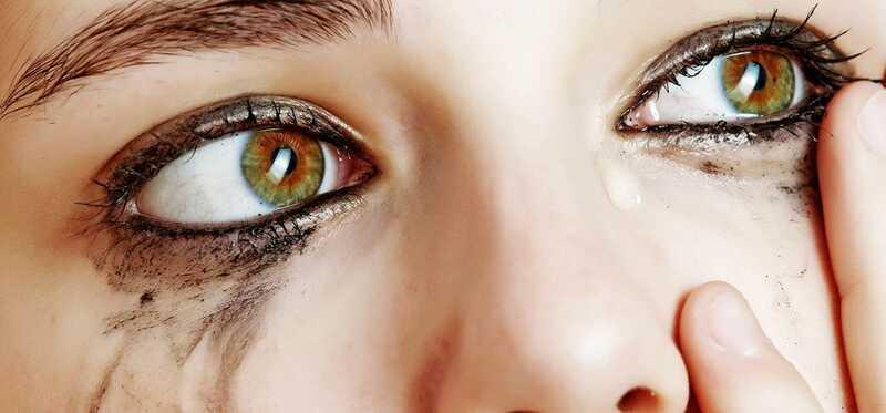 10 jednoduchých tipov pre make-up pre citlivé oči