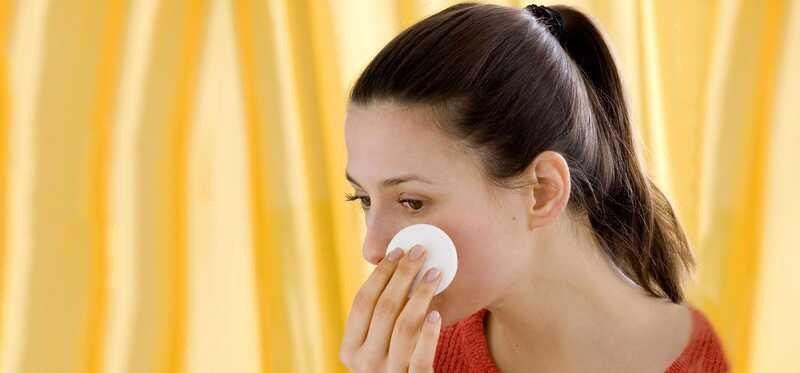 6 jednoduchých krokov na použitie peroxidu vodíka na liečbu akné
