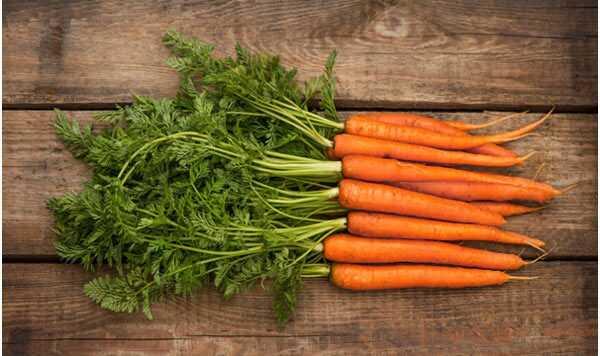 24 fantastiske fordele ved gulerødder (Gajar) til hud og sundhed