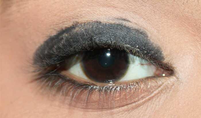 Sonakshi Sinha inšpirovala make-up očí - návod s podrobnými krokmi a obrázkami