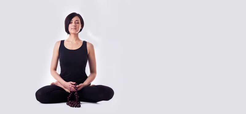 4 kroky na použitie Mala Beads na meditáciu