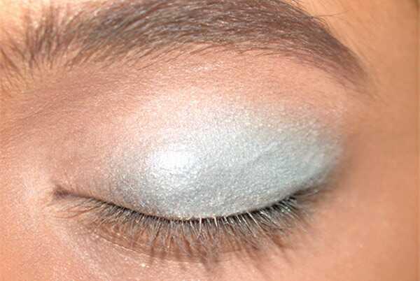 Ohromujúci čínsky očný make-up - tutorial krok za krokom s obrázkami