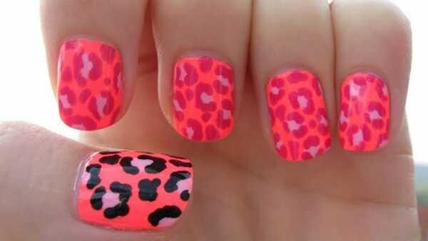10 geweldige handgeschilderde nagelkunstontwerpen