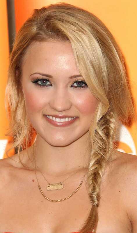 Topp 10 sommer frisyrer for jenter