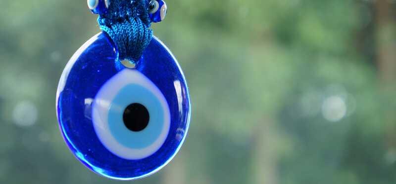 Top 10 symptomer og retsmidler for at slippe af med ondt øje