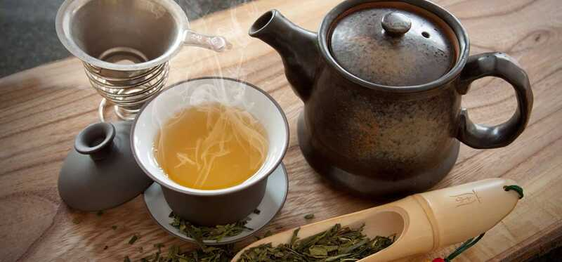 10 puikių naudos iš Bancha šakelių arbata