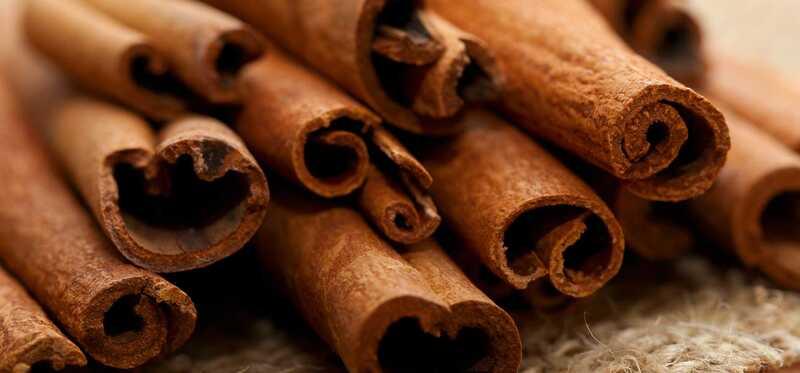 32 úžasných prínosov škorice (Dalchini) pre pokožku, vlasy a zdravie