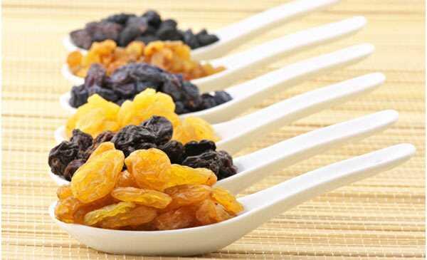 Top 23 fordele ved rosiner (Kishmish) til sundhed, hud og hår