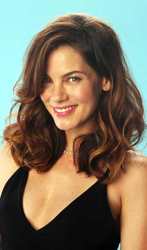 Top 10 slāņveida frizūras plecu garuma matiem