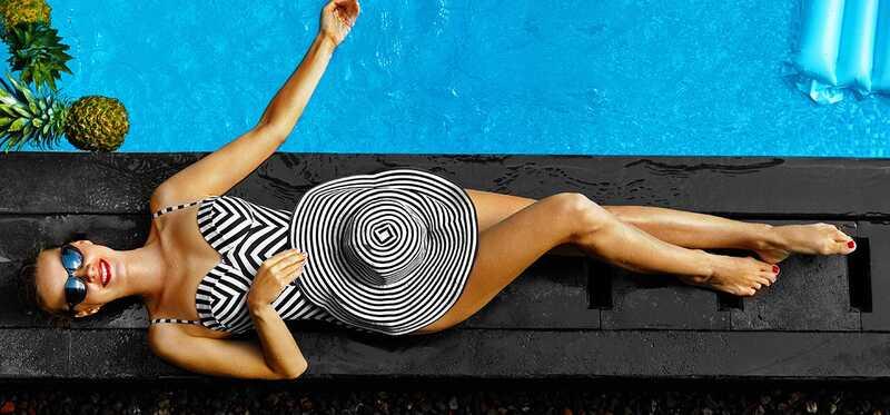 20 tendencijos plaukimo kostiumų, kurie padės jums paplūdimio atostogų paruoštas