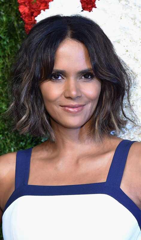 10 de moda Peinados medianos para las mujeres de piel oscura