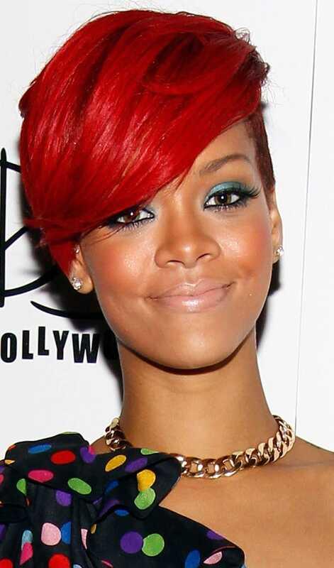 10 moderns Rihannas īsās frizūras
