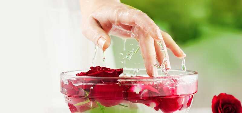 3 jednostavna načina korištenja Glicerina i Rose vode za vaše lice i kožu