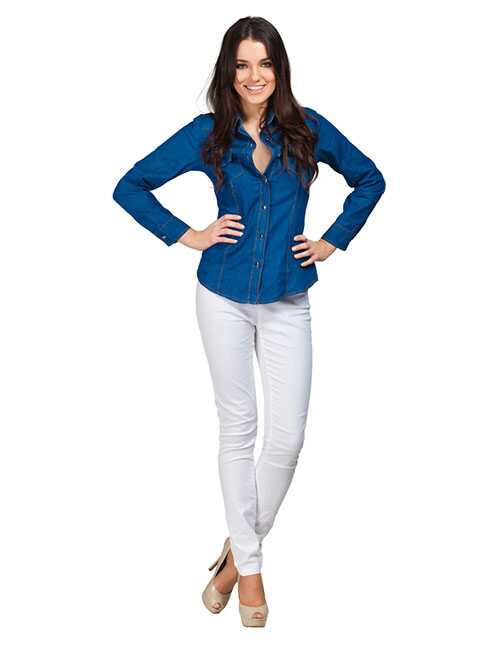 Čo nosiť s bielymi džínsy - Outfit nápady