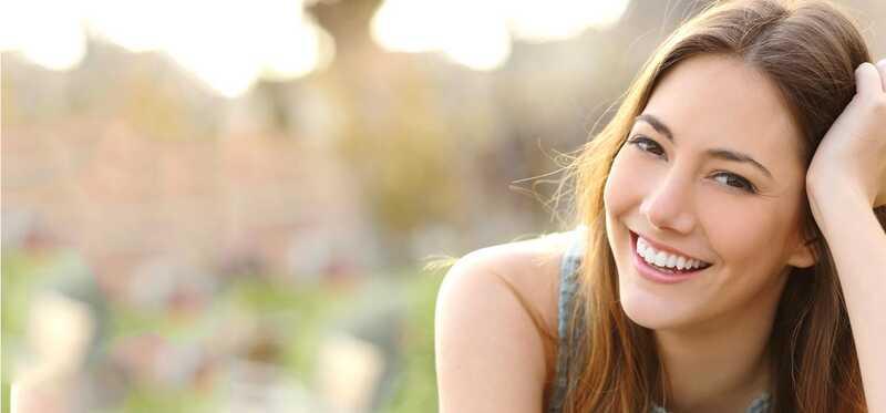 Jednoduché způsoby, jak Whiten zuby - domácí prostředky a tipy
