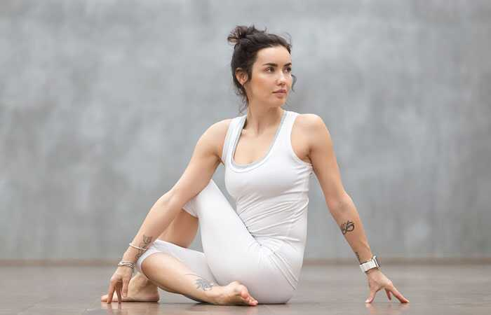 6 Yoga stelt die hulp bij het herstel van borstkanker