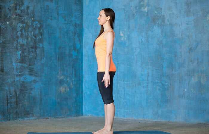 7 Incredible Yoga Asanas die uw houding in geen tijd corrigeren