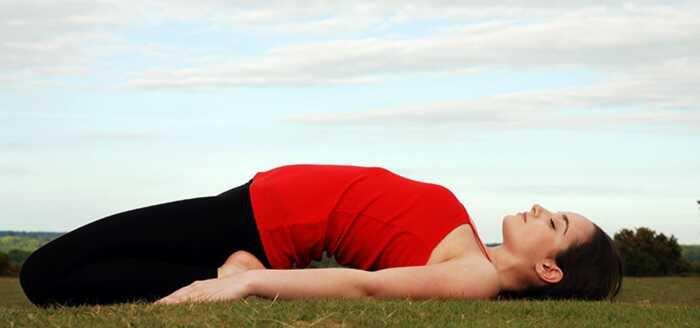 Hvordan slippe af med kvalme med yoga