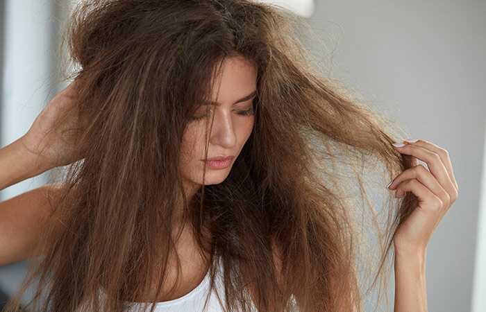 7 úžasných balíčkov Multani Mitti pre zdravé vlasy