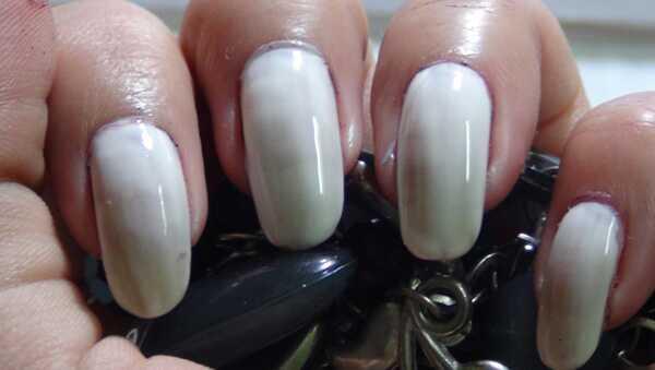Amazing Ombre nail art tutorial s podrobnými krokmi a obrázkami