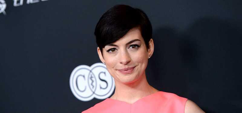 Anne Hathaway atskleidė makiažą, grožio ir fitneso paslaptis