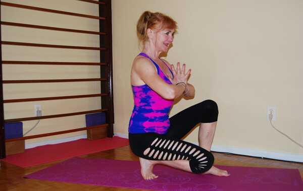 7 kunstneriske yoga poser og deres fordele