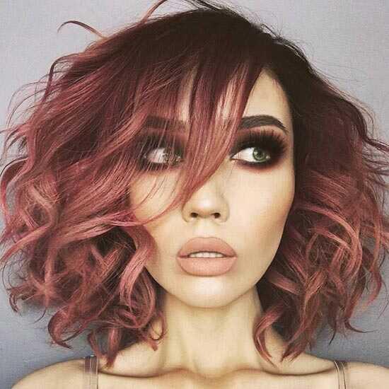 20 nuostabių rausvų plaukų spalvų idėjų negalėsite išbandyti iš karto
