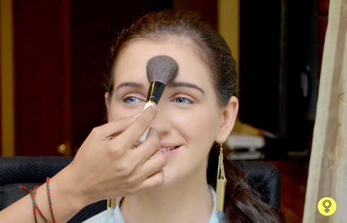 Прекрасна шминка за девојчињата во колеџ - чекор-по-чекор туториал