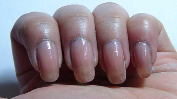 2 čudovite rdeče nail art vaje z podrobnimi koraki