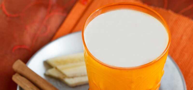 25 fantastiske fordele og anvendelser af smørmelk (Chaas)