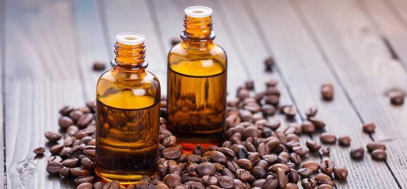 7 geweldige voordelen en toepassingen van koffie etherische olie