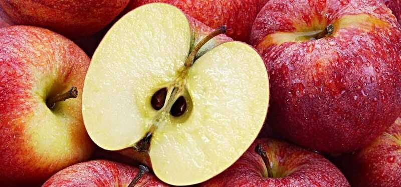 10 puikių privalumų obuolių sėklų aliejui jūsų odai